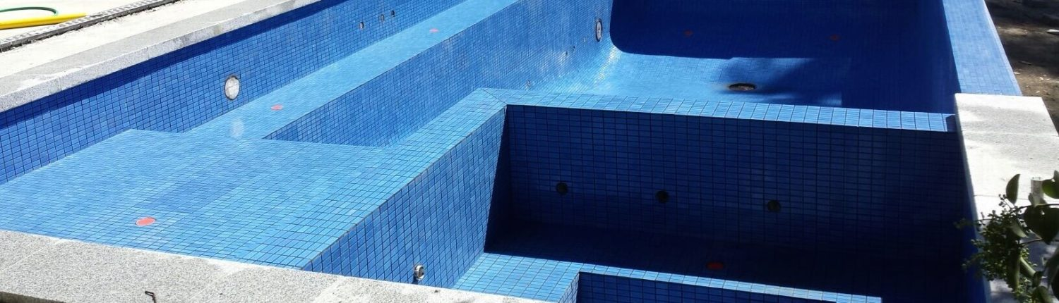Swimming Pool Tiling Job Melbourne